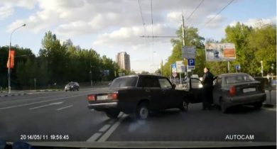 Accident stupide avec un taxi