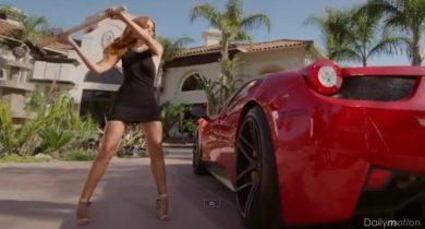 Une Ferrari F458 détruite par une femme jalouse d'avoir trouvé son homme avec sa maîtresse