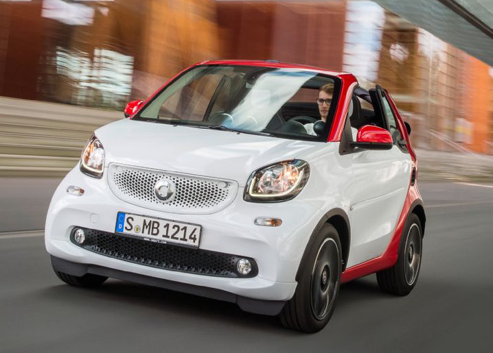 pr sentation photos et vid o de la smart fortwo cabrio divuz. Black Bedroom Furniture Sets. Home Design Ideas